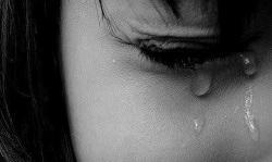 اشک روی صورتم هس دونه دونه
